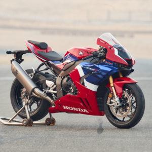 2021-Honda-CBR1000RR-beauty-right
