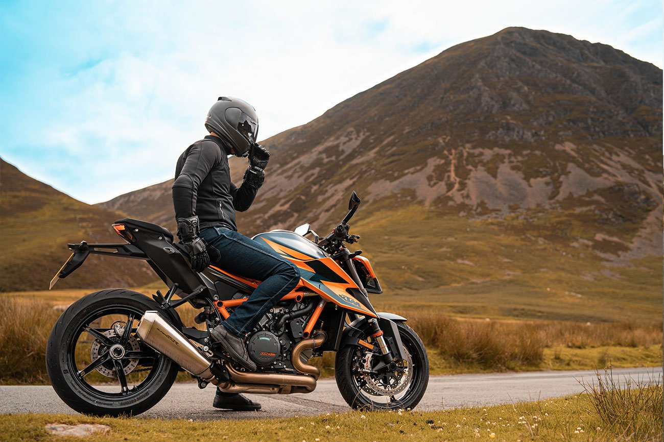 KTM 1290 SuperDuke R acceleration test